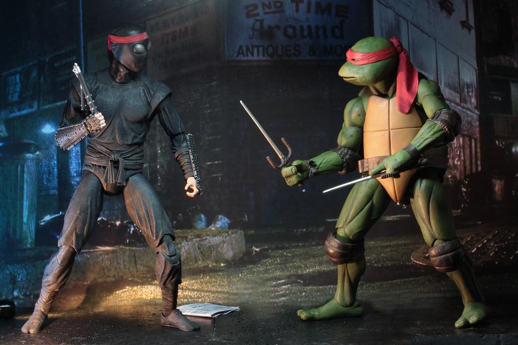 要跟神龜對打怎麼可能不抄傢伙~ NECA《忍者龜(1990)》腳族忍者 Foot Clan Soldier 1/4 比例可動人偶作品 配件陣容完整公開~