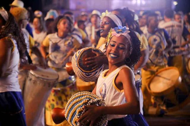 Cortejo mistura religiosidade e arte  - Créditos: PE no Carnaval