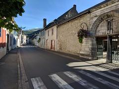 542 - Day 25, Walking thru Campan on the D935 to Bagneres de Bigorre  092318