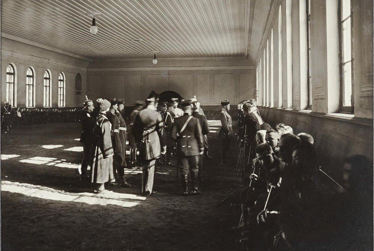 1906. Царское Село. Посещение раненых и увечных воинов