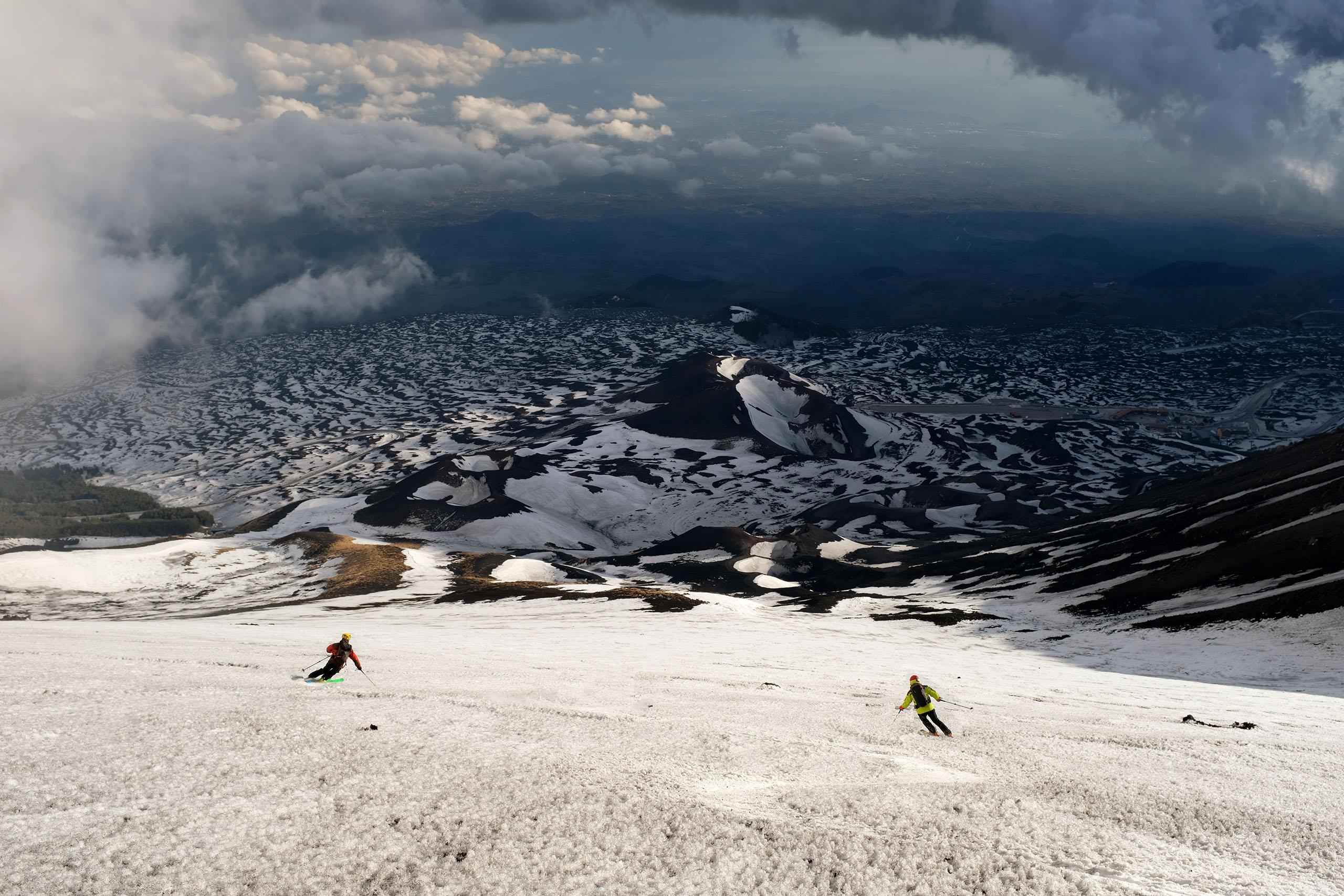 Scialpinismo sull'Etna: Magnifico firn in discesa dalla Montagnola