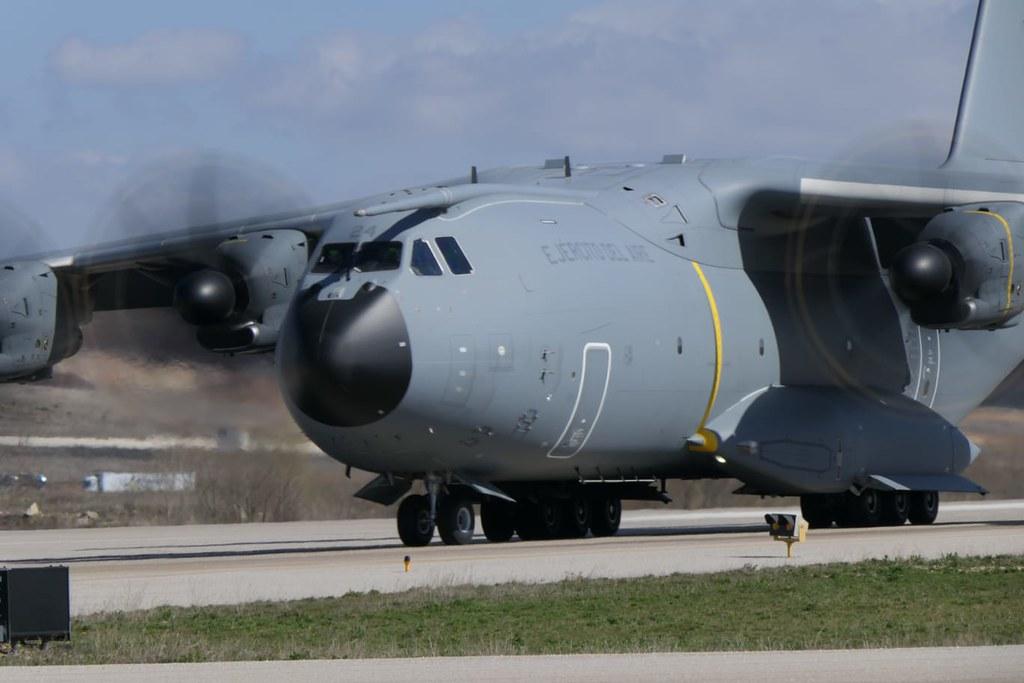 A-400M evacuando a los supuestos refugiados desde el aeropuerto de Burgos