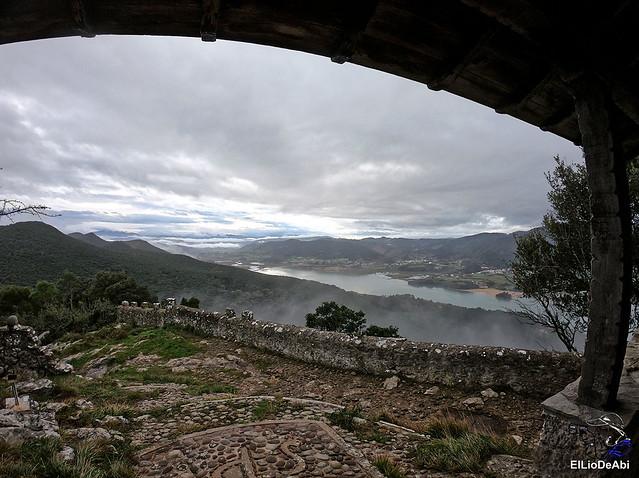 Ermita de San Pedro de Atxarre, posiblemente el mejor mirador sobre Urdaibai.  y después el  desayuno vasco  (14)