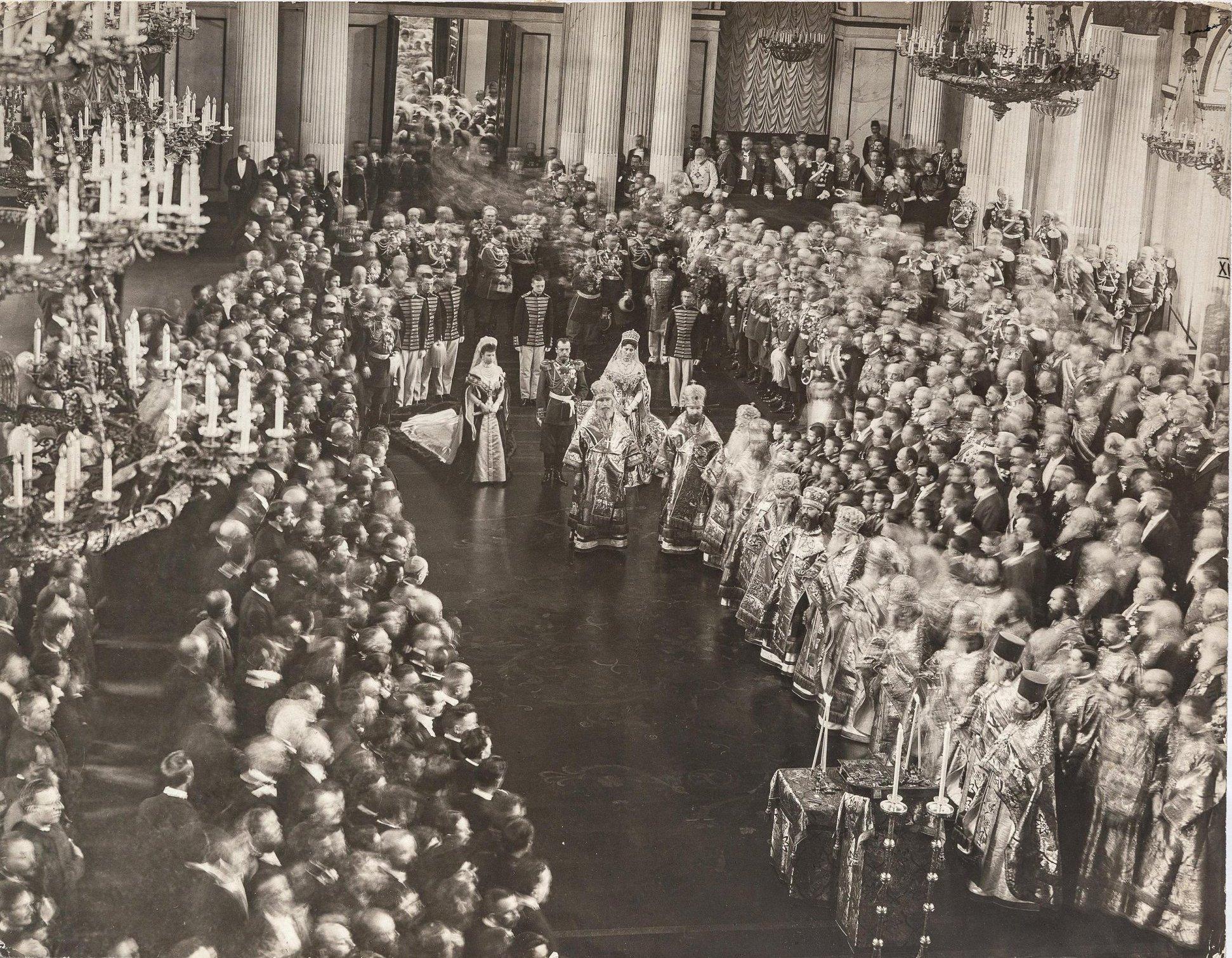 1906. Молебен в Георгиевском зале Зимнем дворце по случаю торжественного открытия Государственного Совета и Государственной Думы 27 апреля
