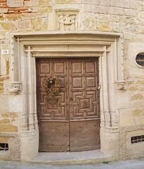 Doorway in rue des Capucins, Puy l'Eveque