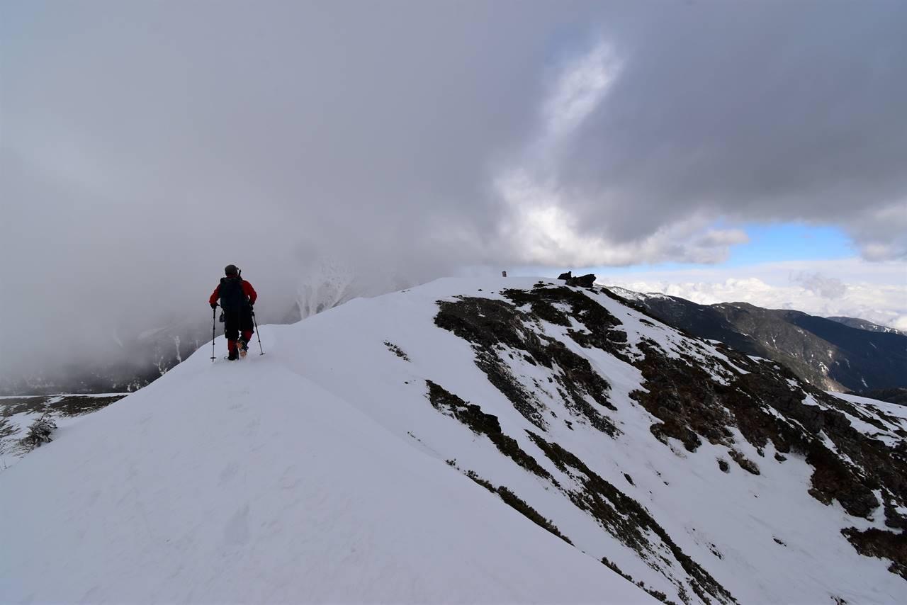 冬の南アルプス・烏帽子岳山頂