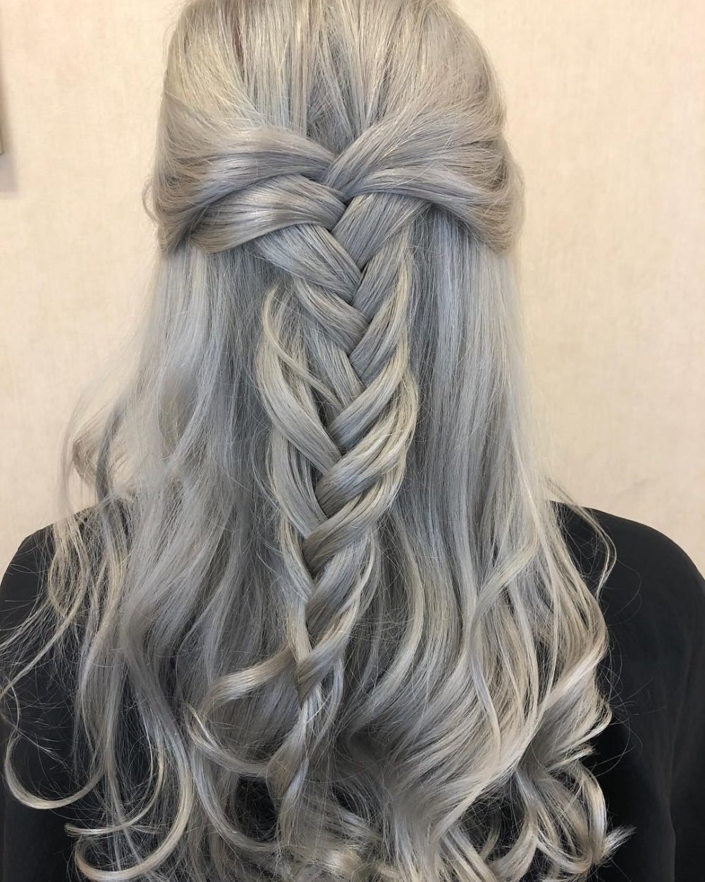 30+ Silver Gray Hair Color Ideas in 2019 - Fashion 2D