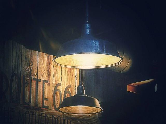 Lo único que se mueve aquí es la luz, pero lo cambia todo...