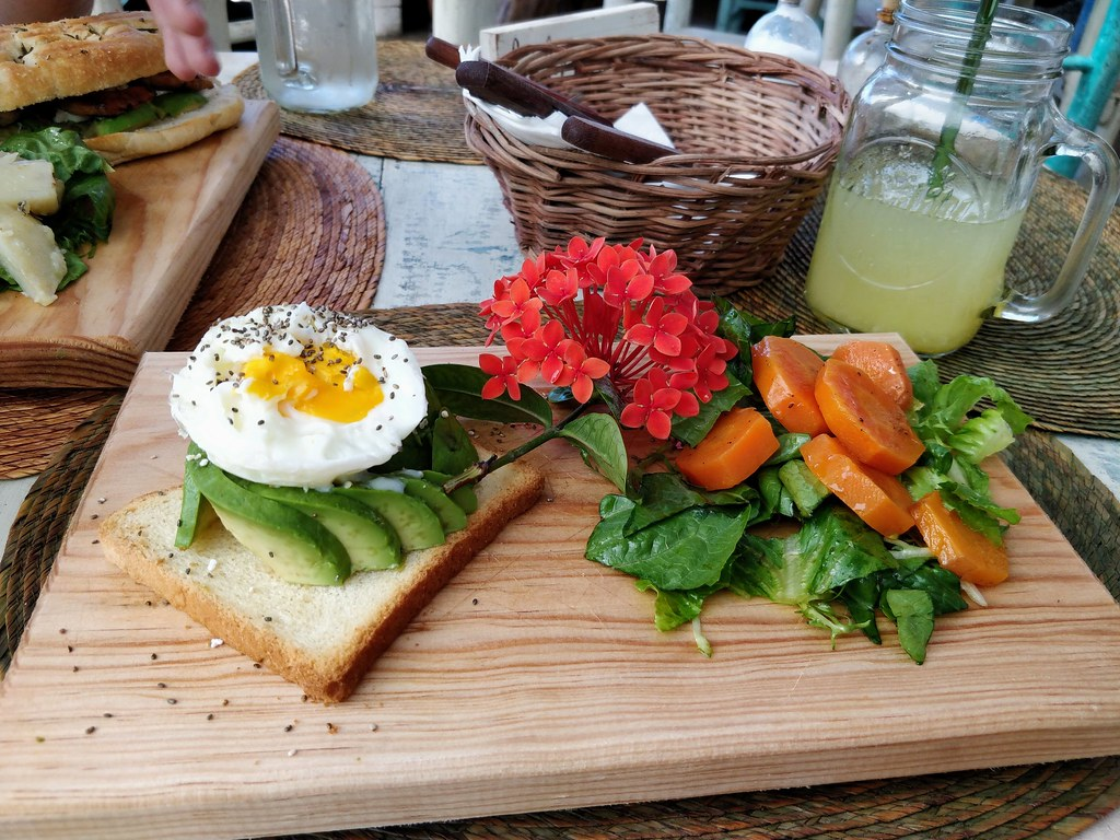 Avocado toast at Painapol