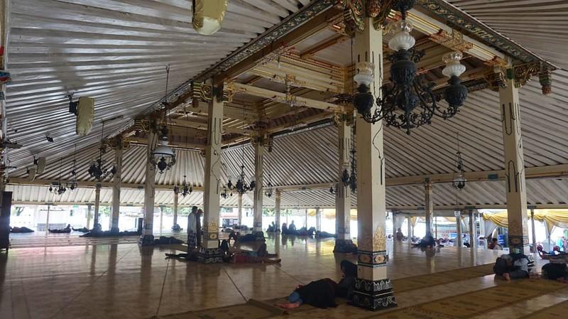 Serambi Masjid Gedhe Keraton Yogyakarta (pict: Muhammad Faiz)