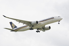 Singapore Airlines Airbus A350-941 Landing at IAH, Houston 1903241415
