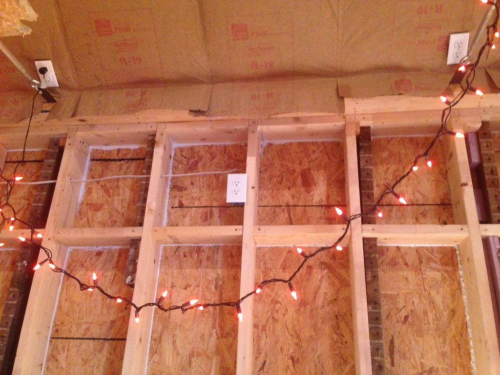 wiring the kitchen - 34 outlets in 250 sq  ft  w/ 14 ft