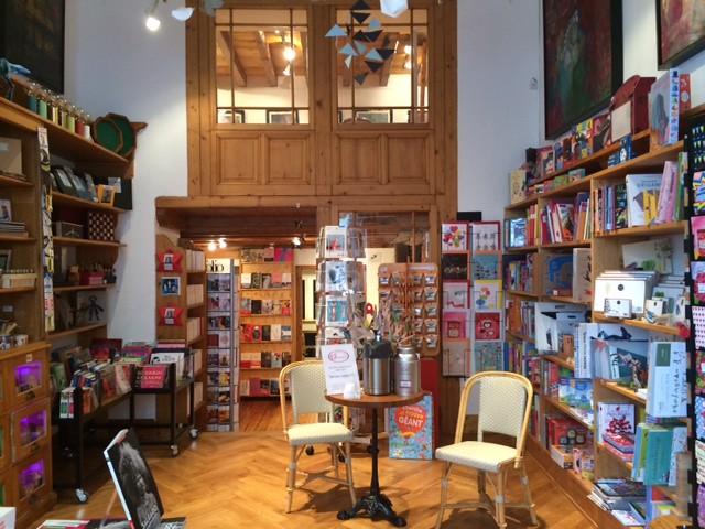 Librairie galerie Atmosphère à Geneve