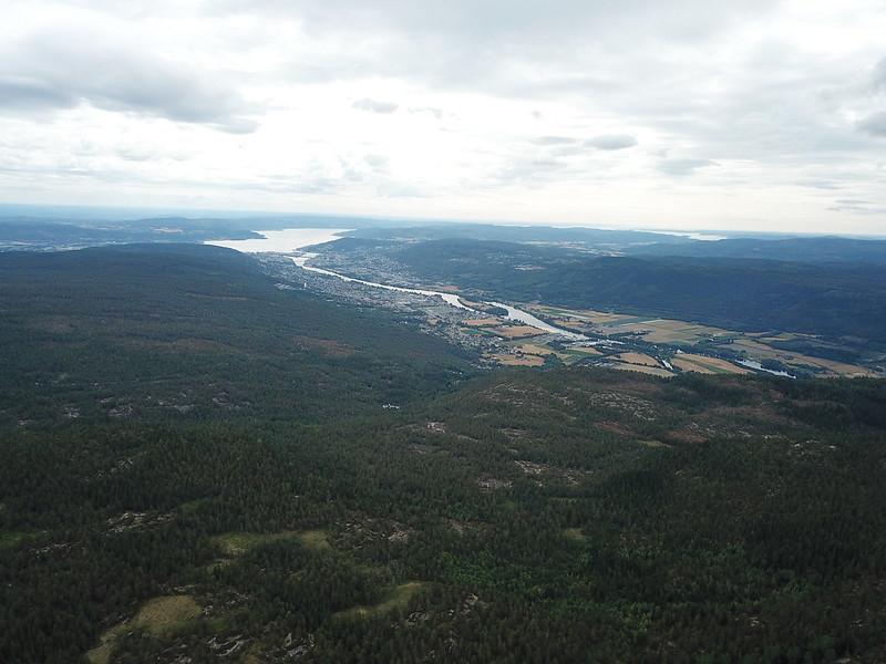 14-Utsikt mot Drammen fra Lokkeråsen (drone)