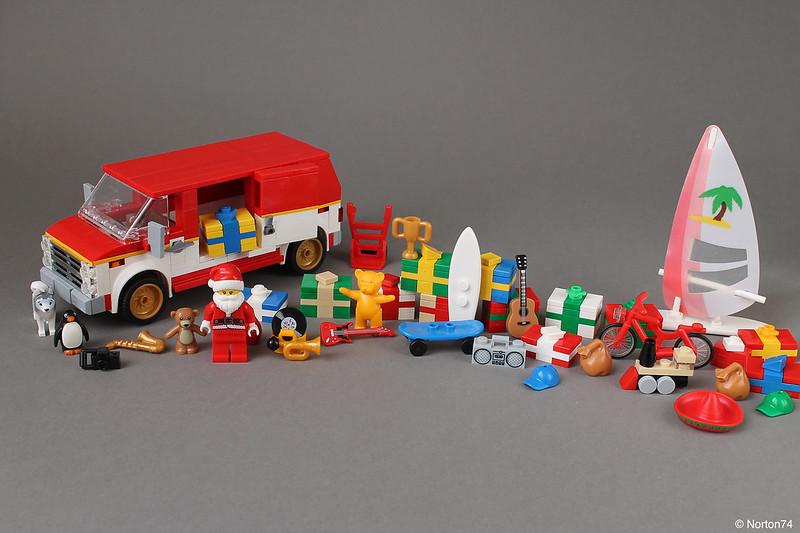 MOC natalizie - Santa needs a bigger van...