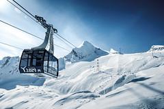 Soutěž Poznej a vyhraj: lyžování na ledovci nad jezerem