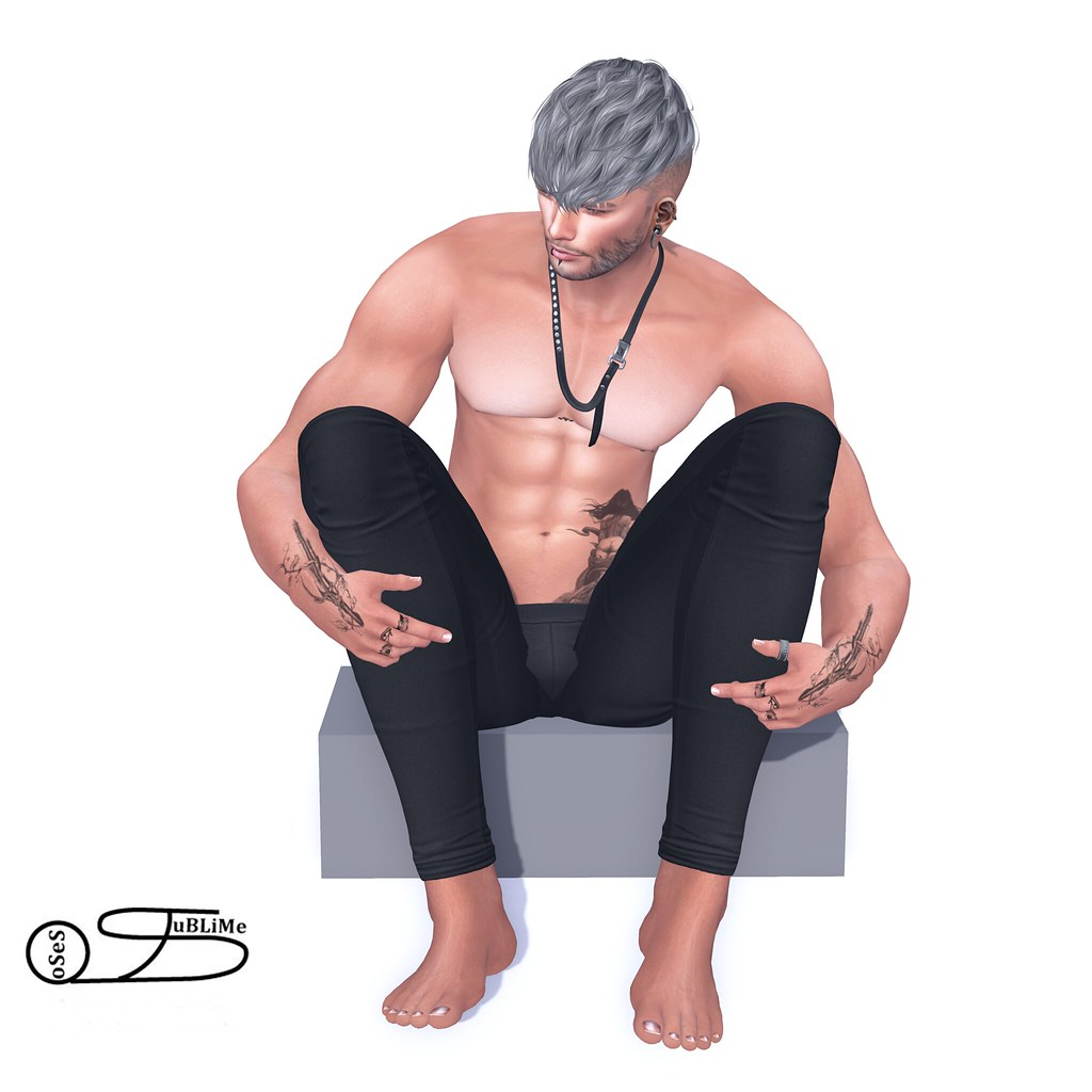 SuBliMe PoSeS – Sitting curb