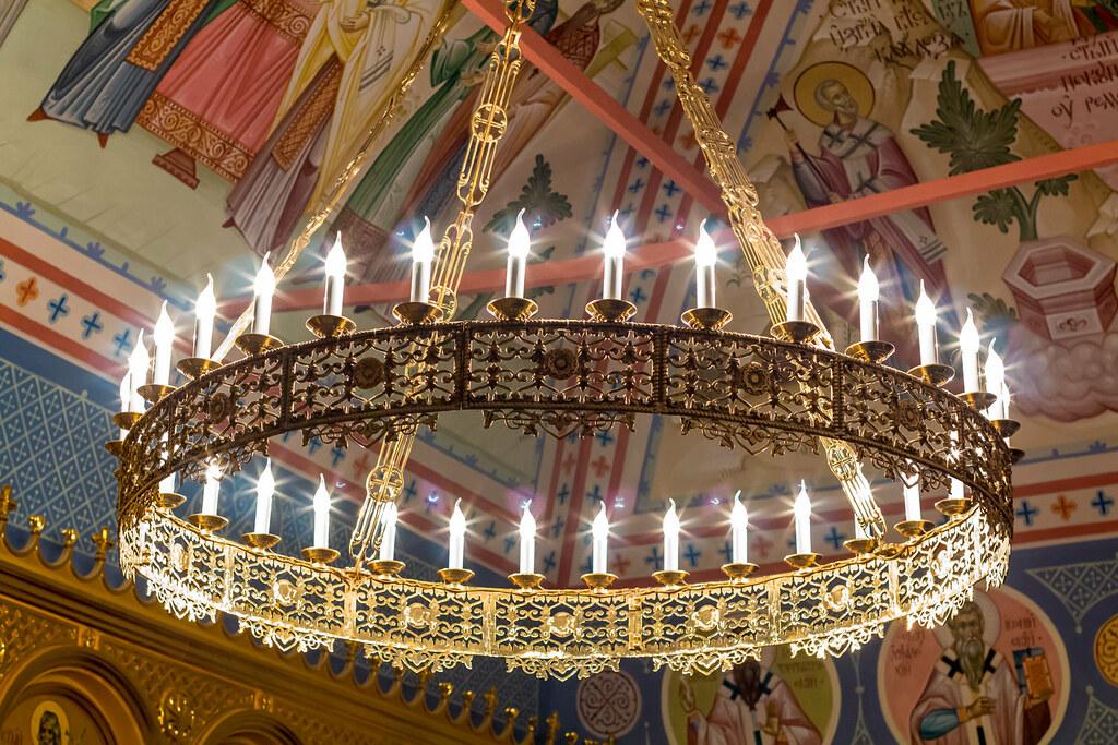 В ночь с 29 на 30 марта в Новоспасском монастыре состоялось ночное богослужение при участии Православных добровольцев и Молодежного отдела московской городской епархии