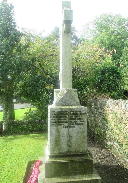 Rhu War Memorial from East