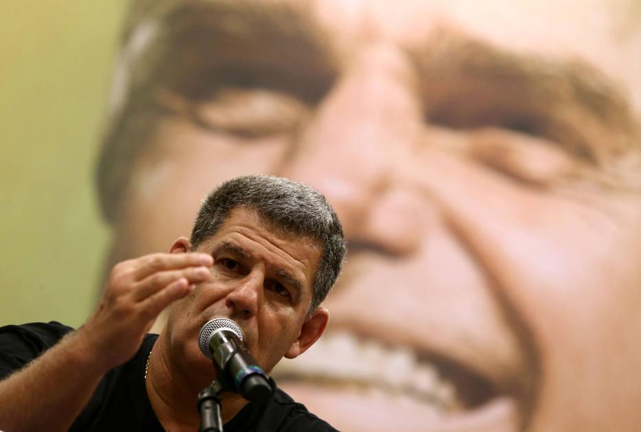 Infarto mata no Rio, aos 56 anos, ex-ministro e desafeto de Bolsonaro