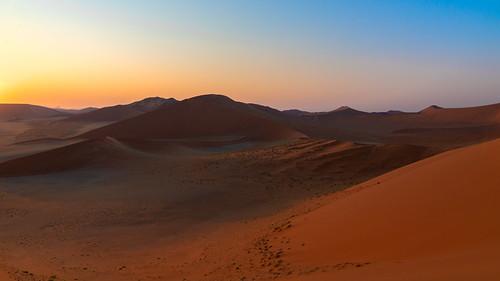 namibia africa desert sesriem sossusvlei sand dune sunrise light colours bluesky sky gradientsky travel landscape nikon d800e outside namibnaukluftnationalpark dusk shadow cielo colors ciel morning explore