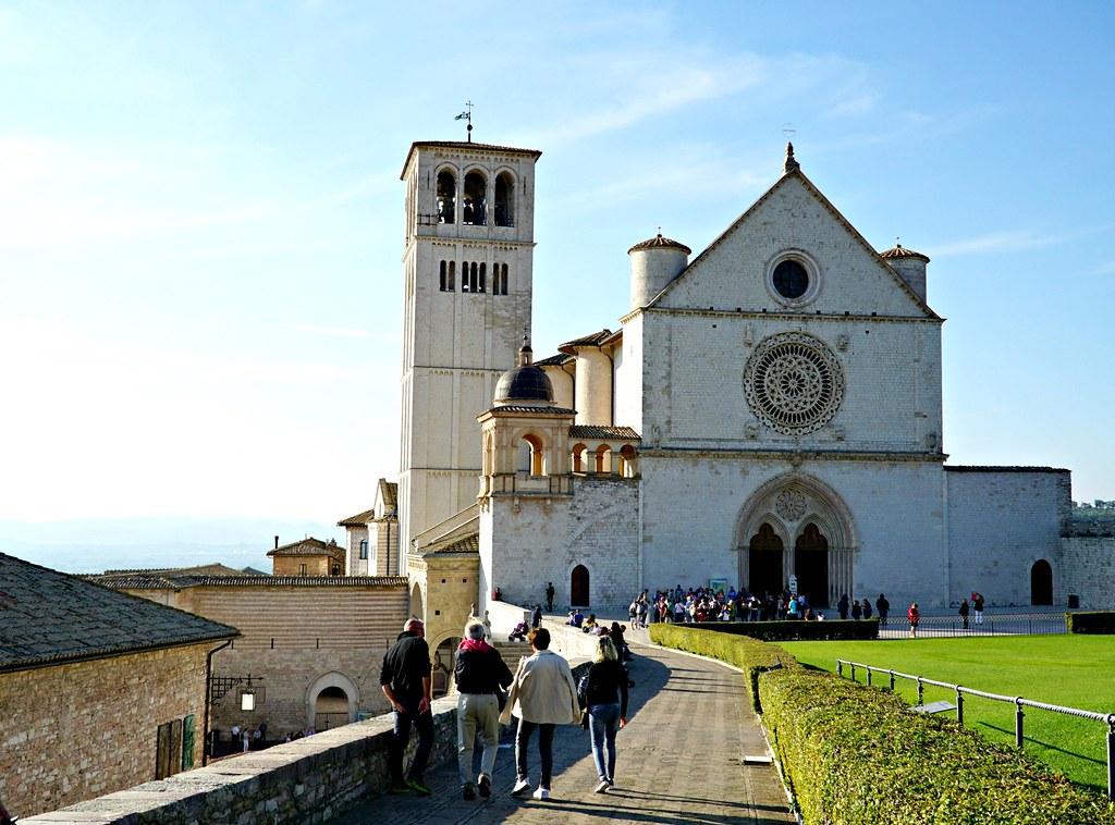Pyhän Fransiskuksen basilika Assisissa