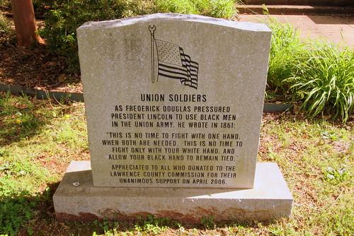 Union Soldiers monument - Moulton, AL