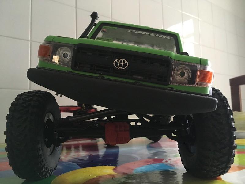 Toyota LC70 SCX10 II 32105402377_dab7d670f5_c