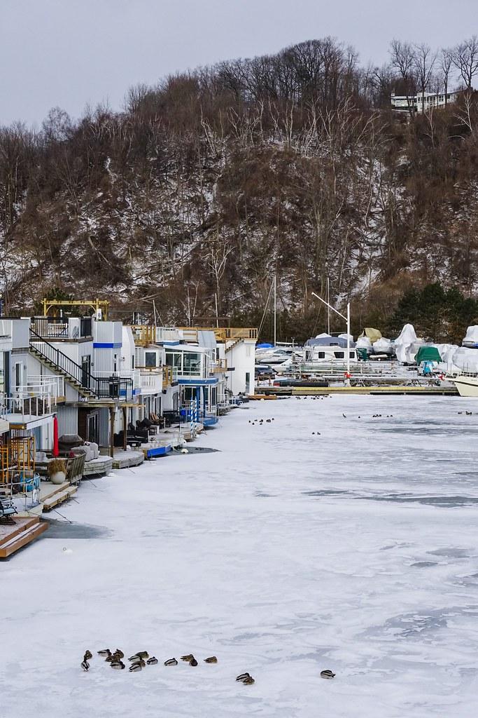 Small marina community