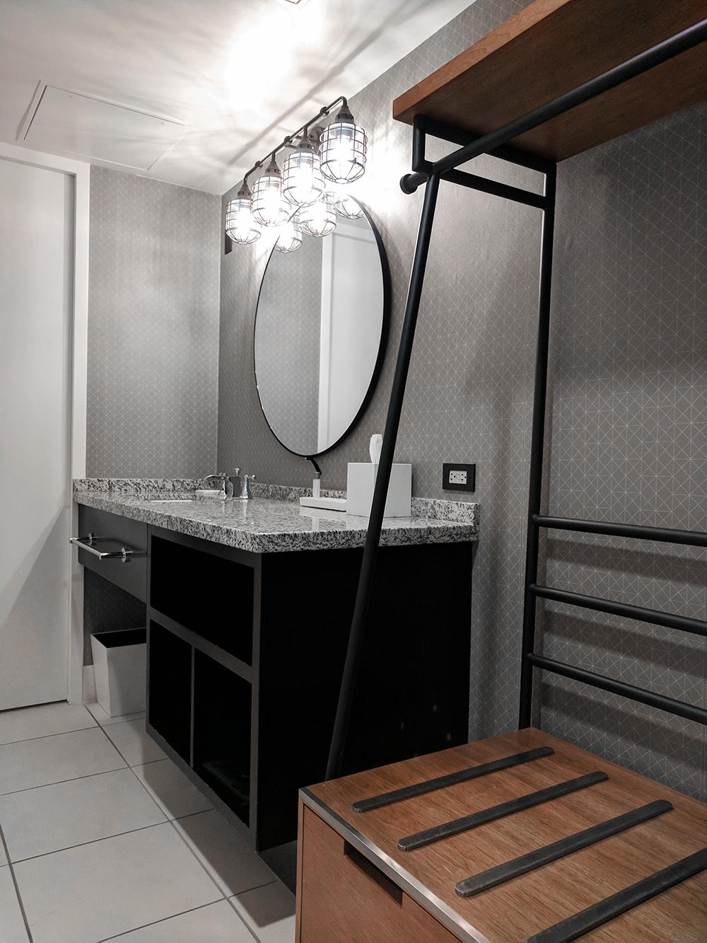 08stanfordcourt-sanfrancisco-sf-travel-bathroom-decor