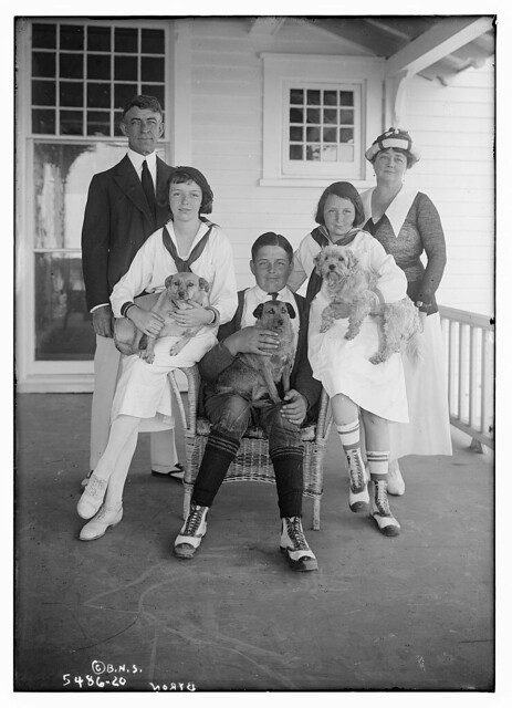 Byron (family and pets) (LOC)