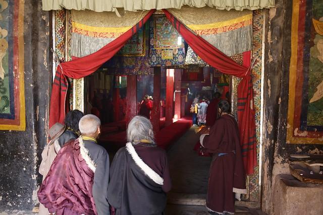Ceremony at Sershul Tekchen Dargyeling, Tibet 2018
