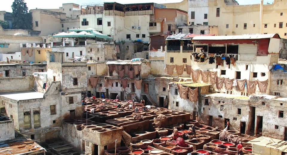Fez Marokko: leerlooierijen in Fez, Marokko | Mooistestedentrips.nl