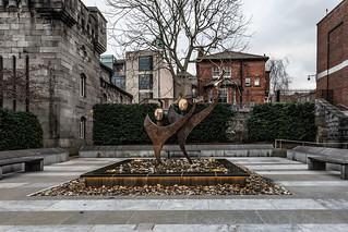 SCULPTURE FOR SPECIAL OLYMPICS VOLUNTEERS [DUBLIN CASTLE]-147450