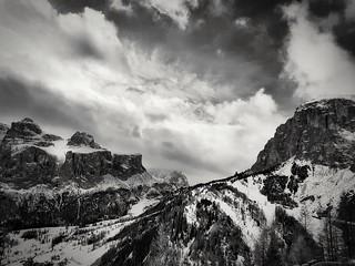 BW mountains