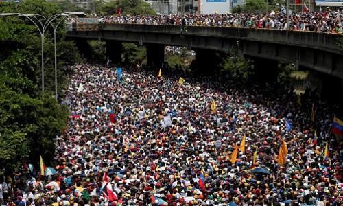 venezuela_bieutinh01