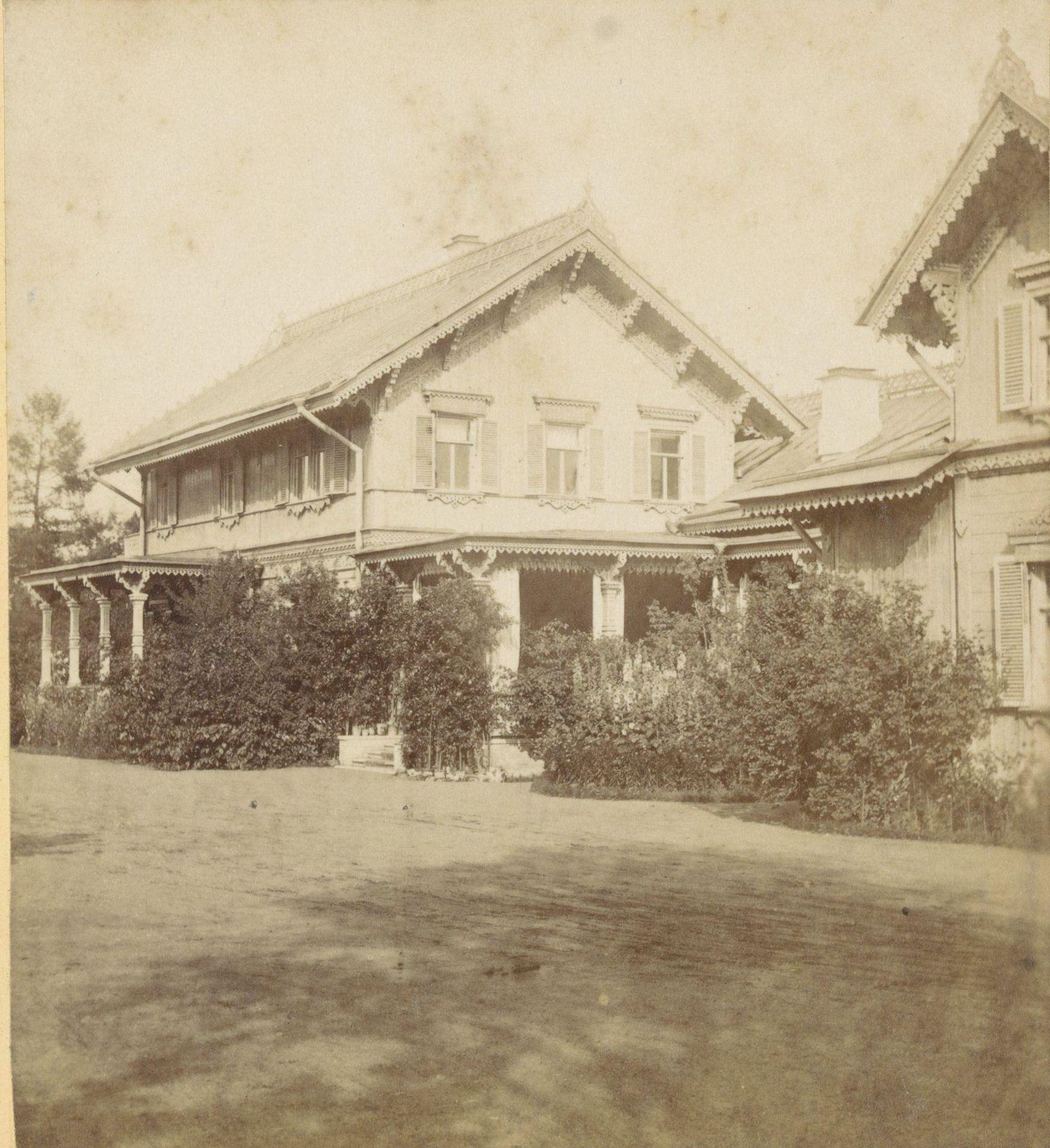 Петергоф. Дом Великого князя в Александрии