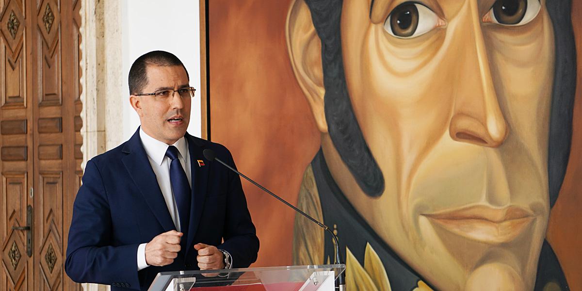 Canciller Jorge Arreaza emite comunicado condenando brote de xenofobia en Ecuador
