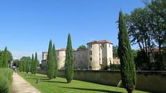 Périgueux, castle near Vesunna Gallo-Roman museum - Photo of Périgueux