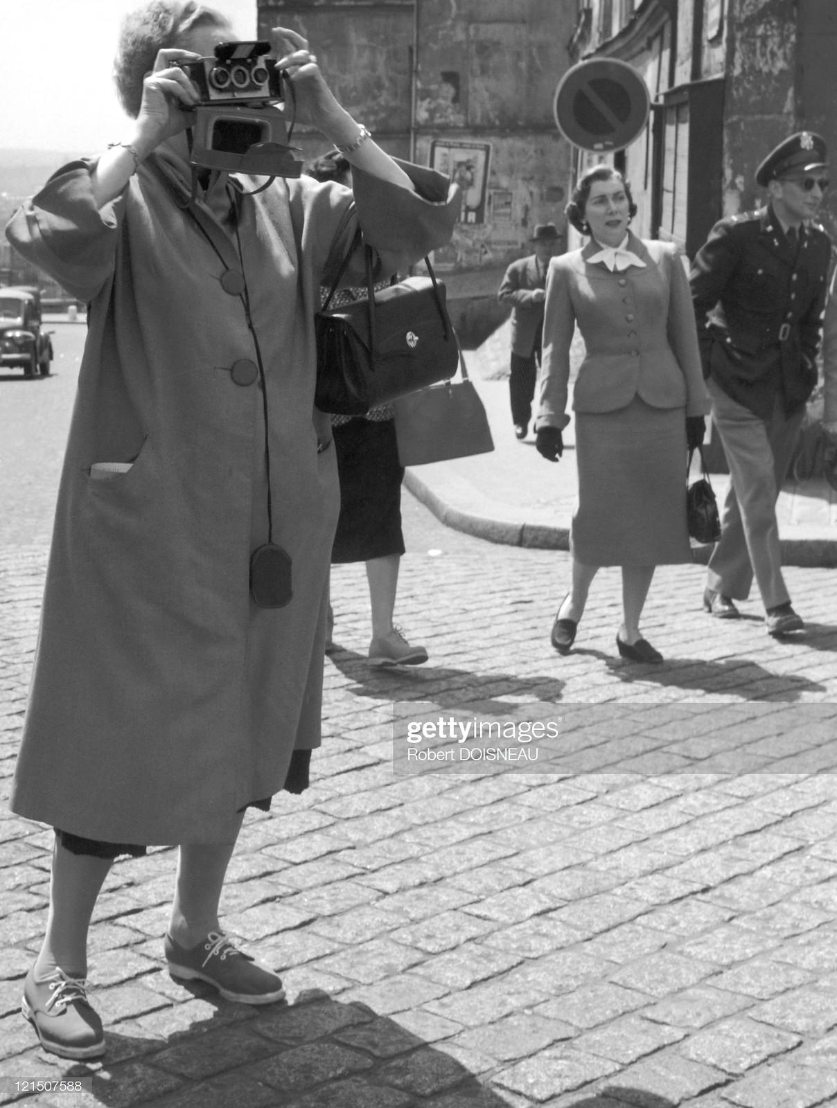 1956. 1 мая, Париж