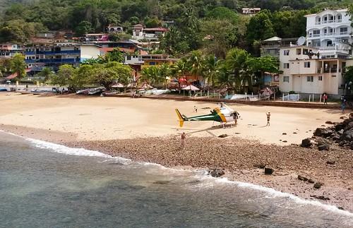 Der Geldadel lässt sich aus Venzuela direkt mit dem Hubschrauber an den Strand von Tabogafliegen