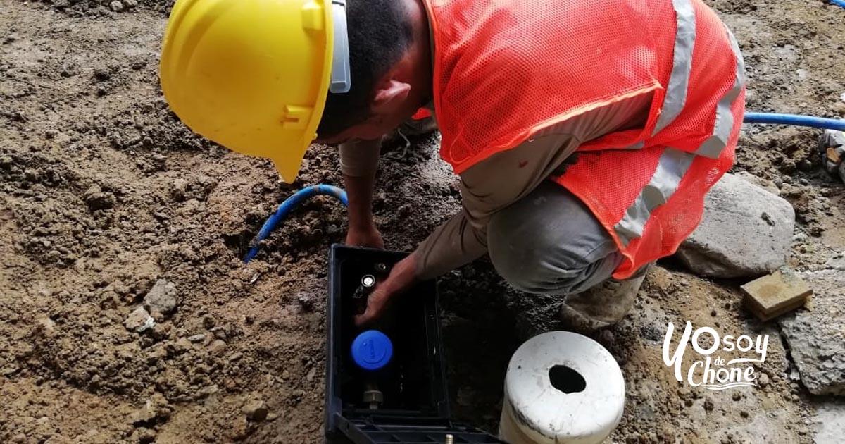 1400 medidores de consumo de agua potable se instalan a usuarios de Chone