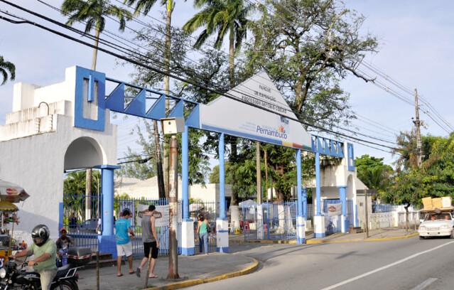 O bairro é uma das zonas comerciais da cidade, especialmente pelo Parque de Exposições do Cordeiro - Créditos: Severino Ribeiro/Fundaj