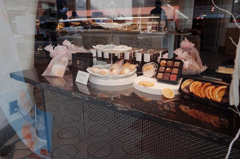 銀座一丁目Decadence du Chocolatディスプレイ