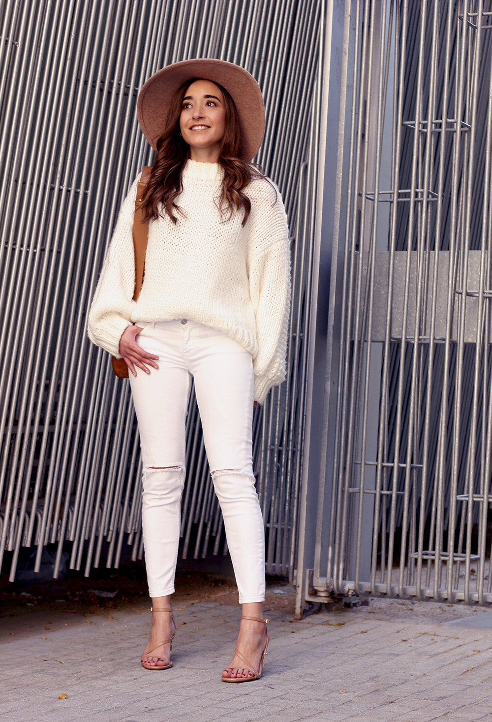 white outfit  beige hat beige bag street style casual outfit 20193