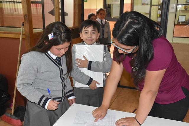 Entrega útiles escolares JUNAEB