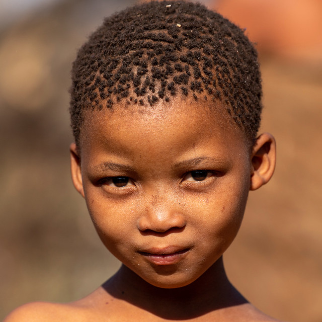 Sān child, Namibia, Nikon D5, AF-S VR Nikkor 300mm f/2.8G IF-ED II