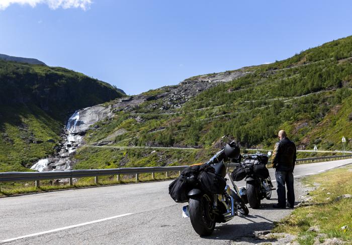 Norja Norge Norway serpentiinitie Myrkdalen Vossestrand_