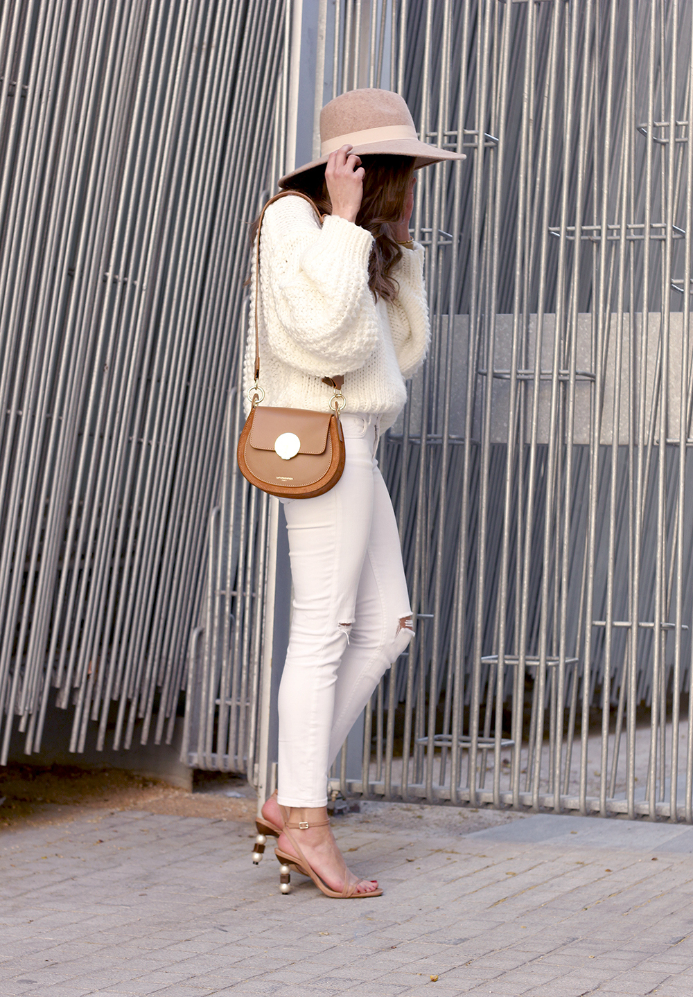 white outfit  beige hat beige bag street style casual outfit 20191