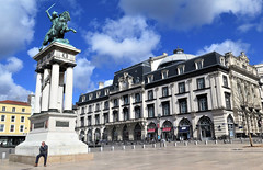 Clermont-Ferrand, Monument to Vercingetorix on the Place de Jaude - Photo of Clermont-Ferrand